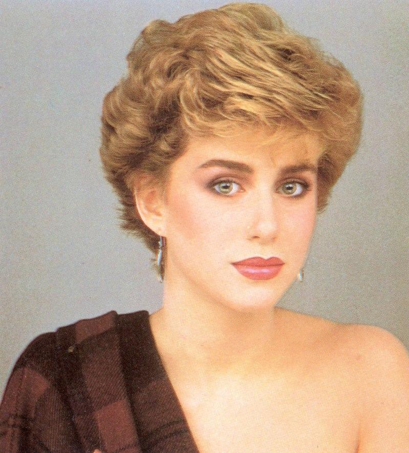 Причёски 80-х годов фото на короткие волосы