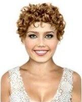 Coupe de cheveux ondules visage ovale